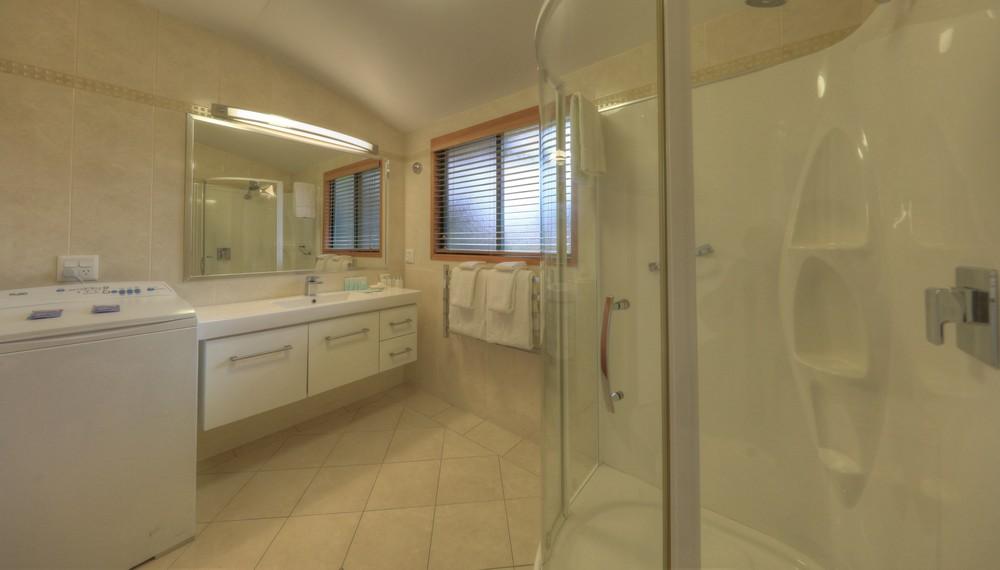 EL1 Bathroom
