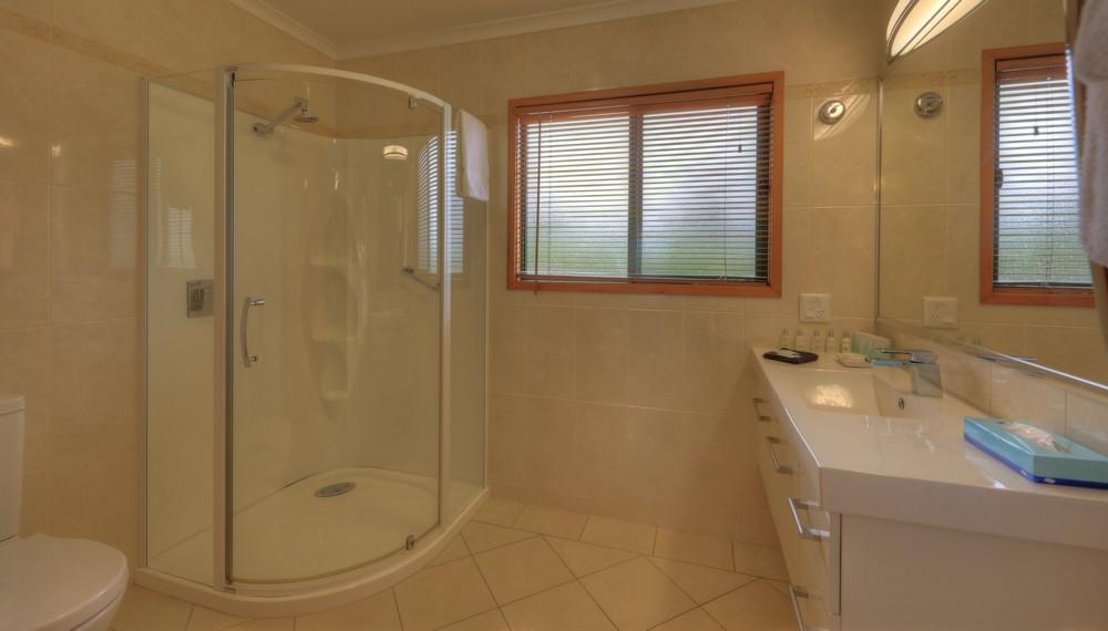 EL2 Bathroom